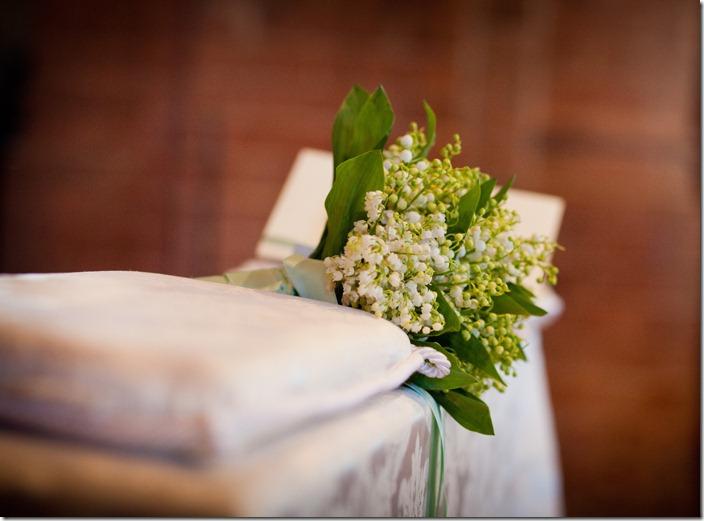 foto bouquet vintage, piccolo bouquet, mughetti sposa, foto mughetti