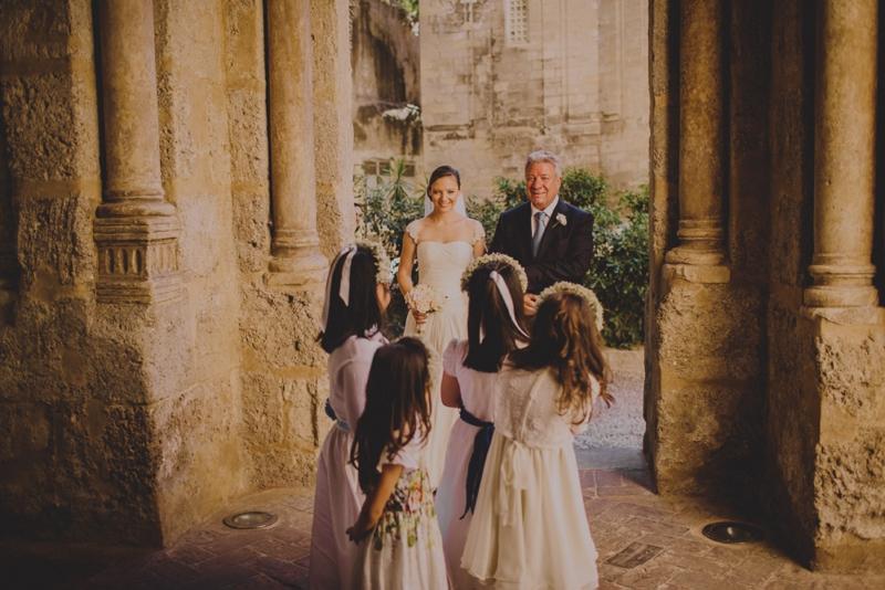 sposa con damigelle, ispirazioni damigelle,arrivo della sposa con damigelle, sicilia-Raquel-Benito