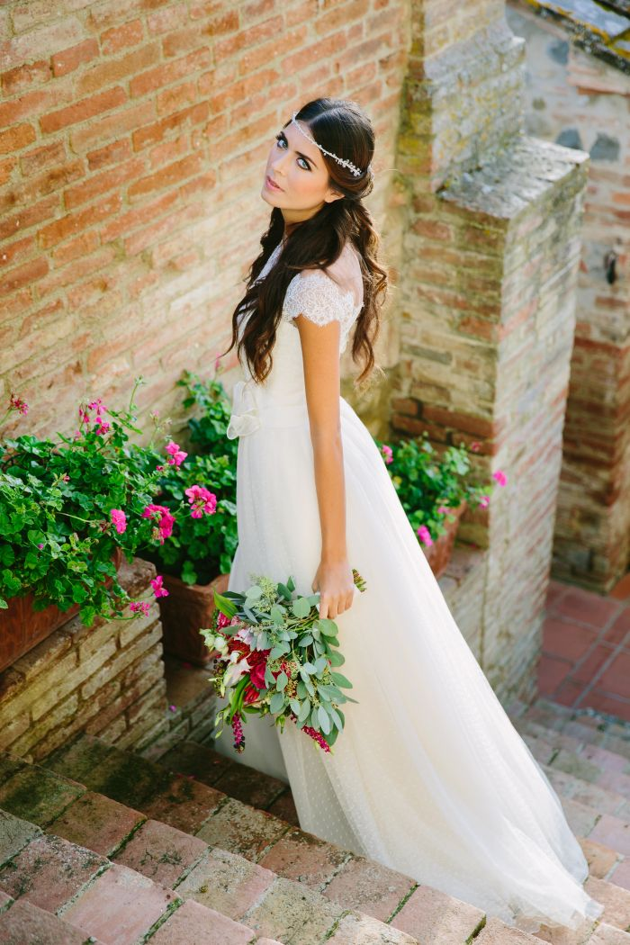 5207c58cd6ff Tendenze Sposa 2016  Couture Hayez e La Leggerezza conquista anche ...