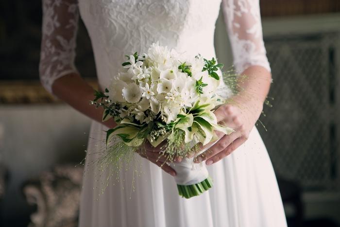 Bouquet Sposa Per Abito Pizzo.La Bella Italia Destination Wedding Couture Hayez A Villa Muggia