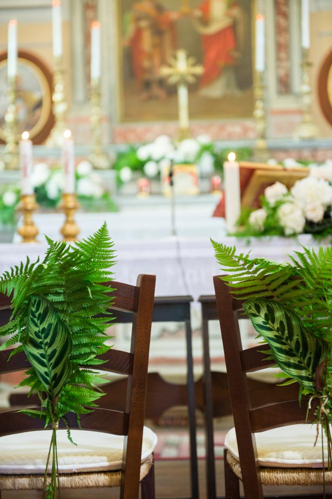 8 decori-sedie-felci-verdi-matrimonio