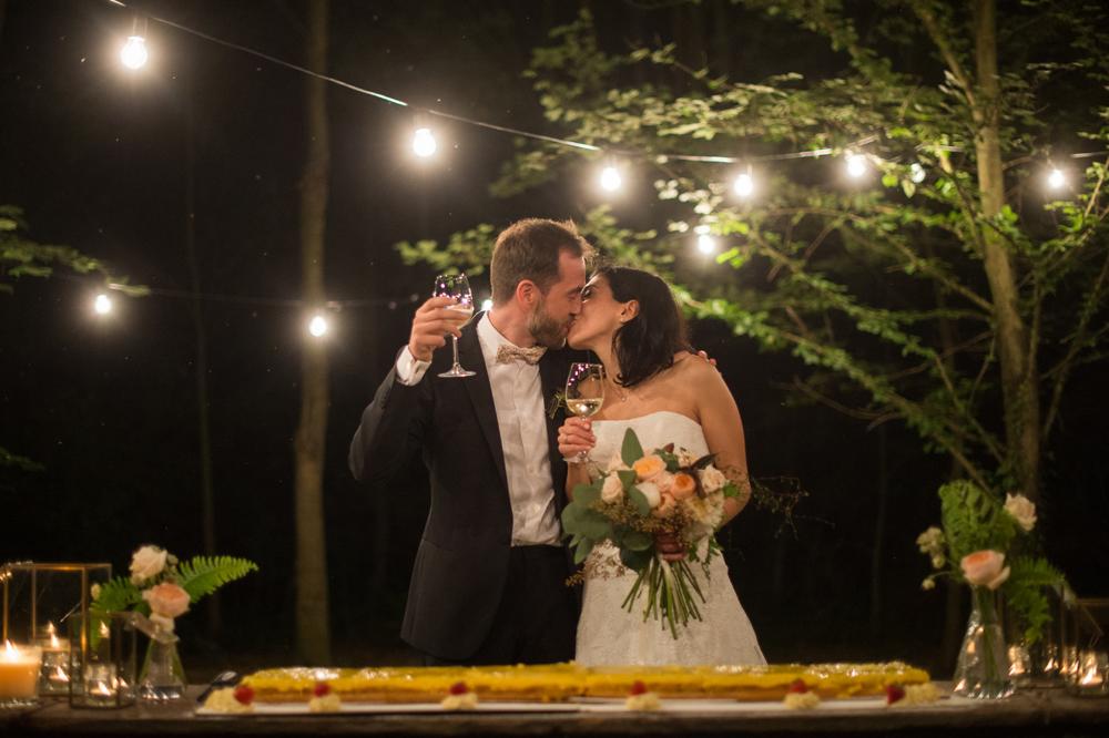 taglio-della-torta-vintage-botanico-sposi