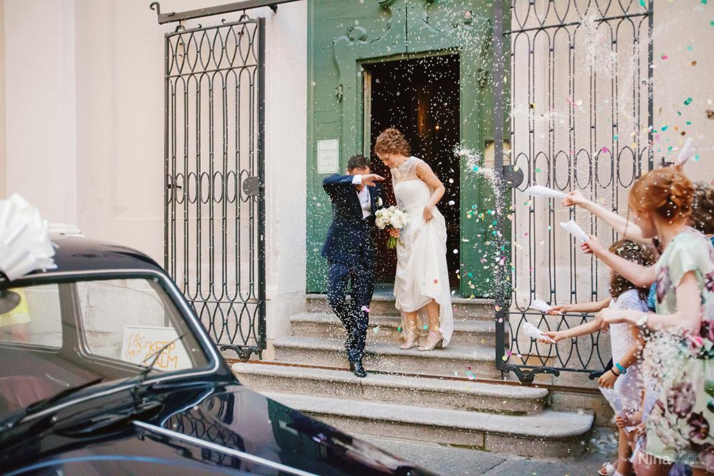 lancio del riso chiesa di san gerolamo, sposi all'uscita della chiesa cremona, chiesa cremona, lancio di coriandoli e riso chiesa san gerolamo,