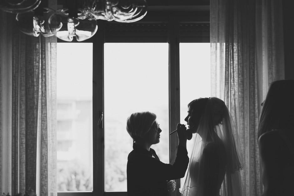 sposa al trucco, foto velo sposa, nozze maggio