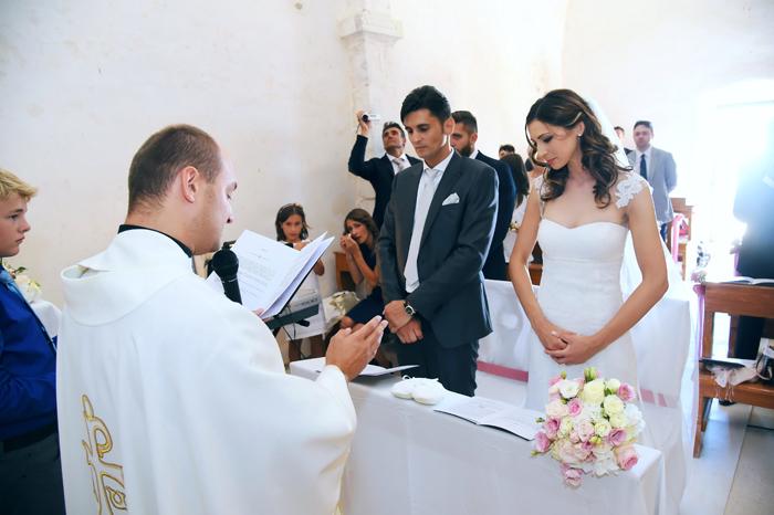 3 gli-sposi-all'altare-posizione