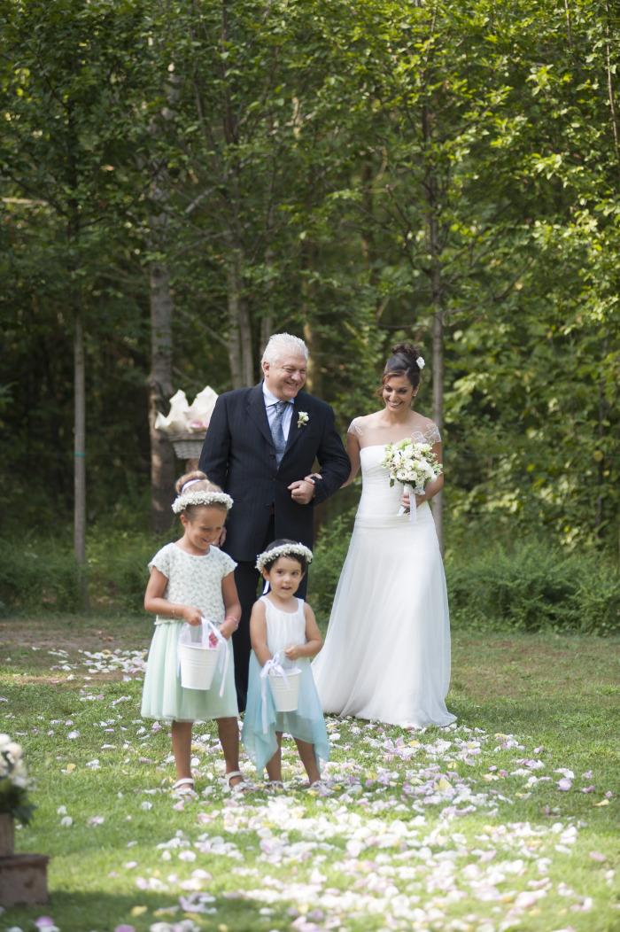 16 sposa-con-damigelle-convento-annunciata-bosco