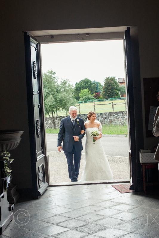 11arrivo-sposa-in-chiesa