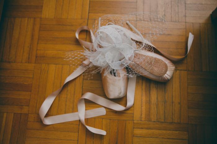 foto-sposa-con-scarpe-da-balletto-classico+veletta