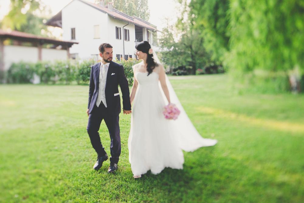 sposi in giardino, real bride couture hayez, abito sposa leggero, abiti sposa vaporosi,abiti sposa stile impero, abiti sposa scivolati