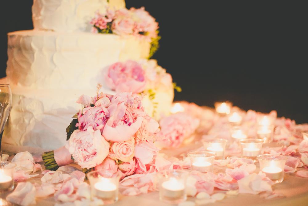 wedding cake con fiori, torta nuziale con rose, torte matrimonio con fiori