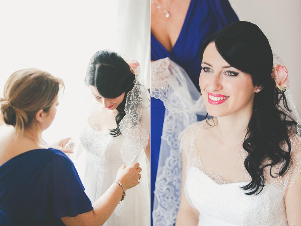 sposa con velo, le spose di couture hayez, le nostre spose, sposa mentre mette il velo