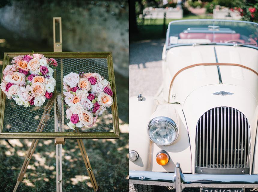 allestimento floreale con rose cipria,fucsia,bianche, auto d'epoca Morgan decappotabile