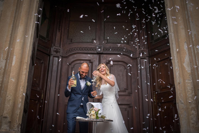 brindisi sposi, le spose di couture hayez, lancio dei coriandoli sposi, bride lux