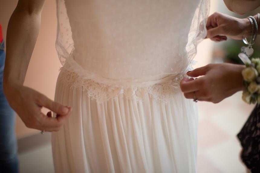 vestizione sposa, blusa tulle plumetis, couture hayez, sposa