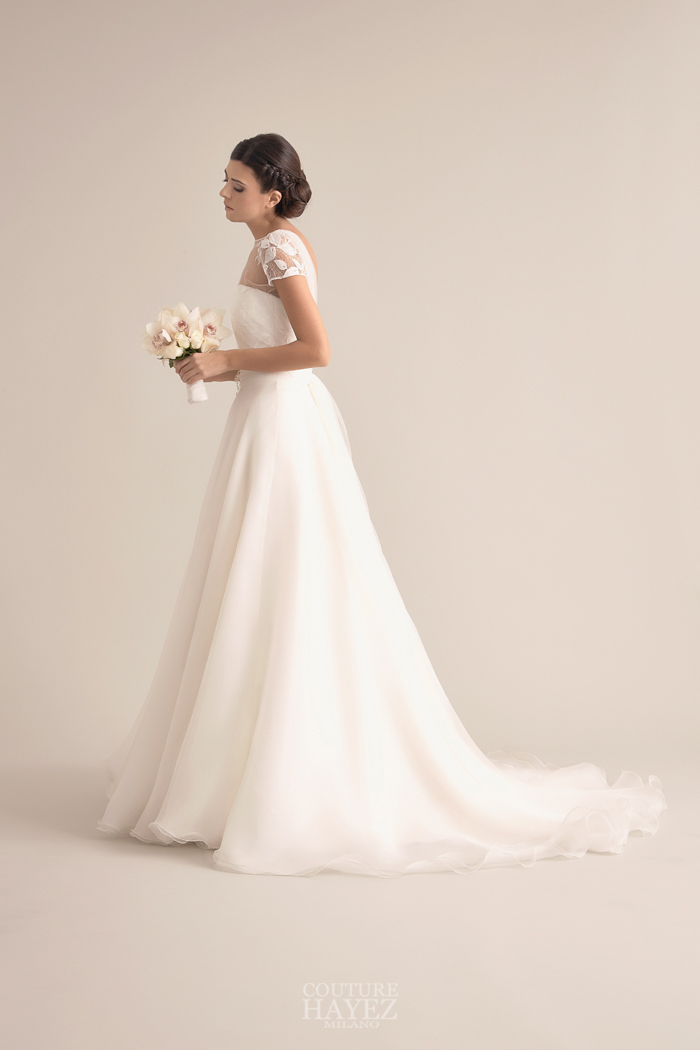 abito sposa organza seta, abito sposa con maniche corte, sposa spalle coperte