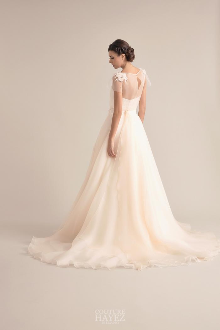 abito sposa vaporoso, abito sposa spalle ricamate, abito sposa ricamo a mano