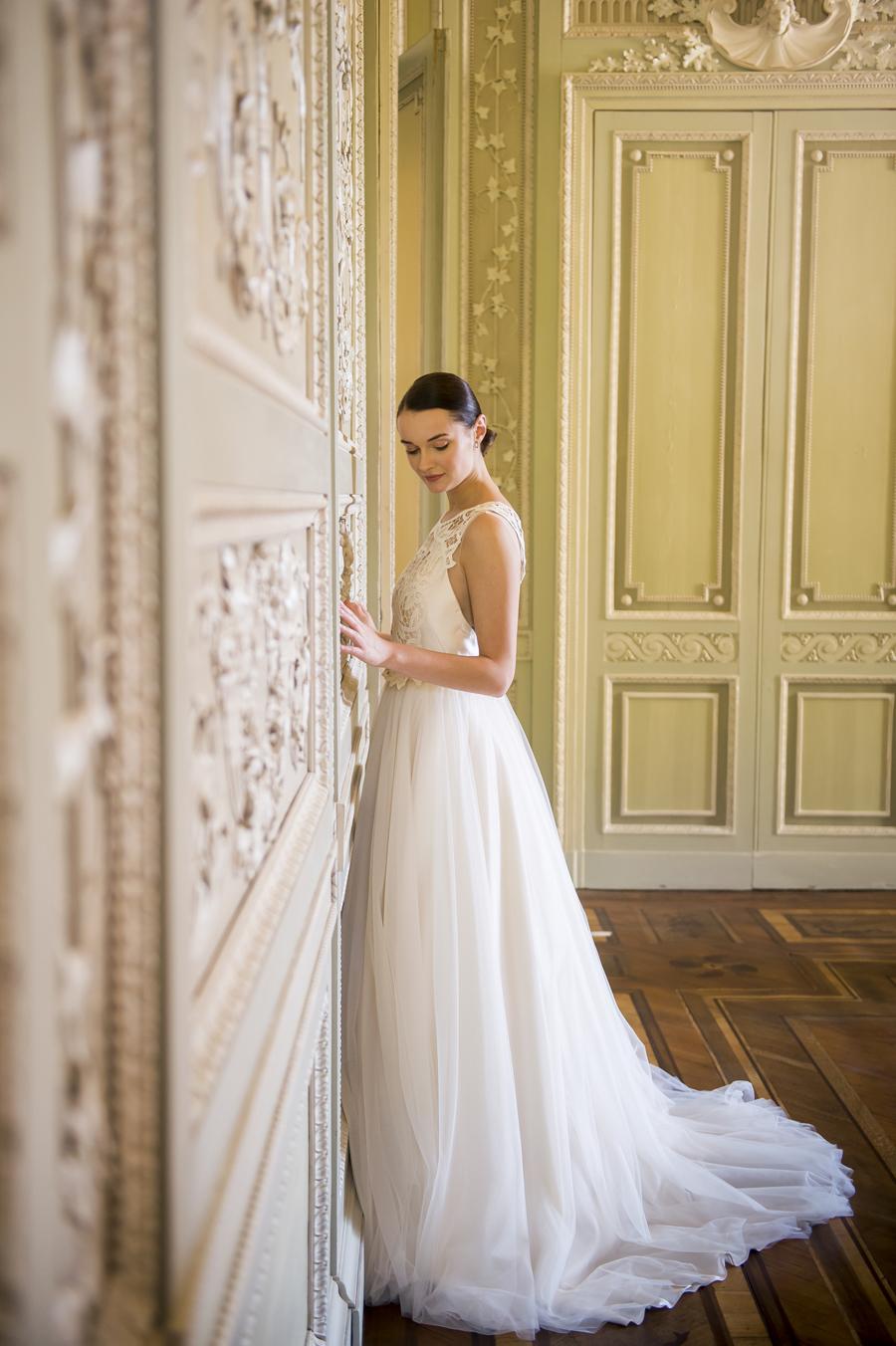 sposa con abito da sposa cipria couture hayez modello wendy, matrimonio alla reggia di monza
