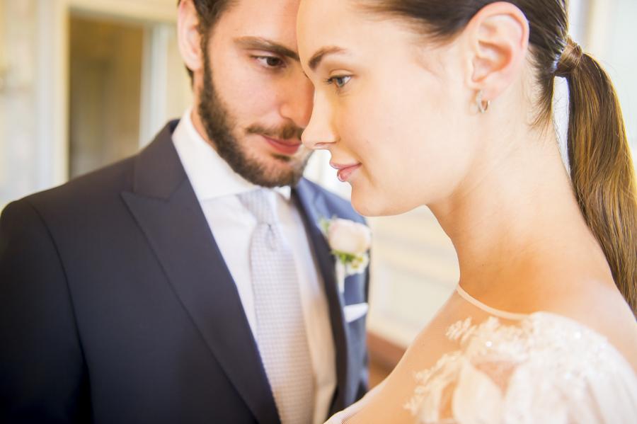 matrimonio alla reggia di monza con sposi eleganti