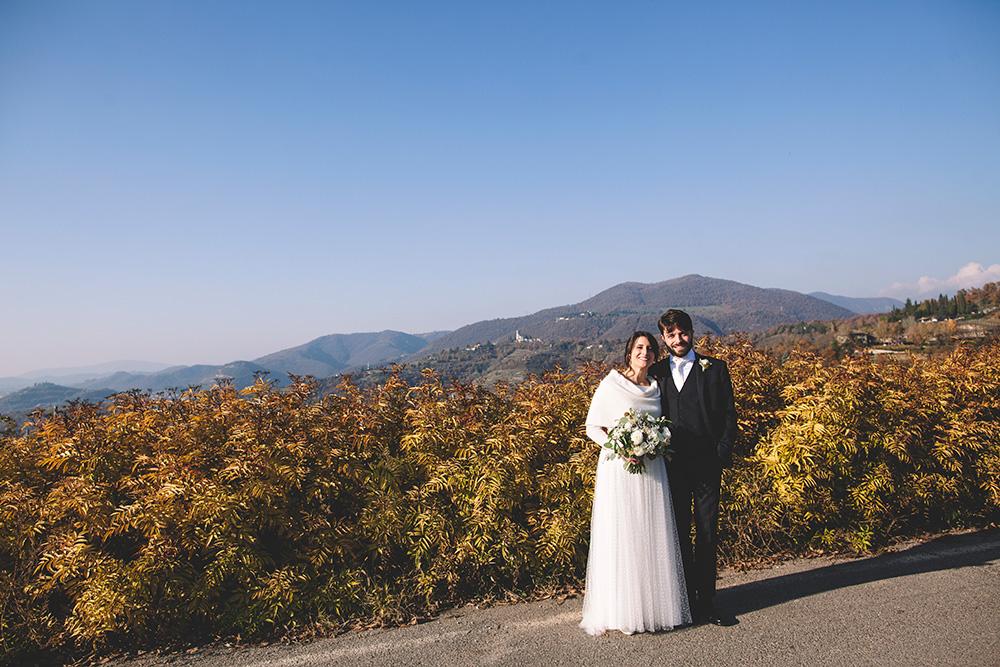 sposa inverno coprispalle, abito da sposa scivolato, couture hayez, matrimonio green