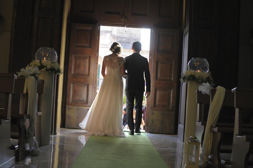 uscita dalla chiesa degli sposi, foto album