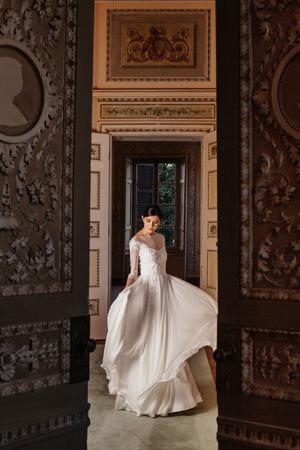 abiti e vestiti da sposa a milano, abito sposa in chiffon, abito da sposa con maniche, abiti sposa 2020 a milano