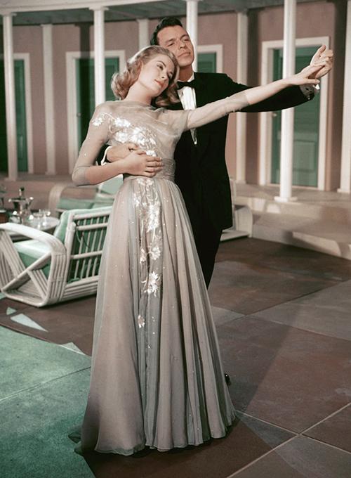 abiti da sposa alternativo, abito sposa stile grace kelly,