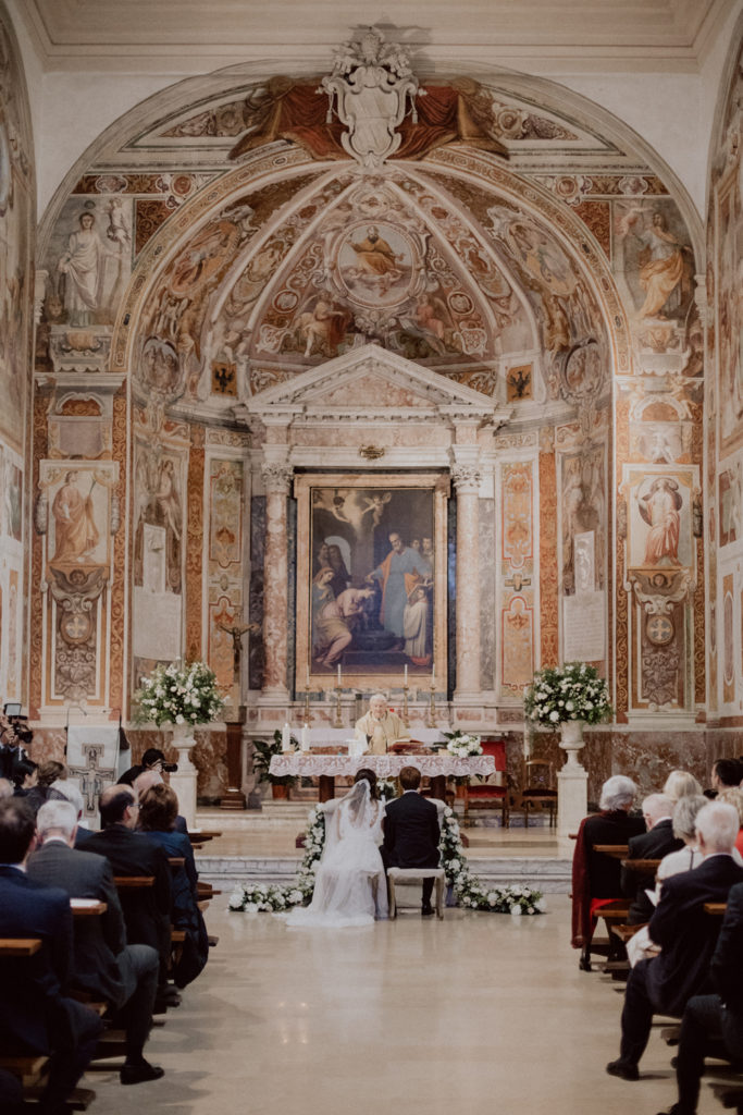allestimento chiesa santa prisca, colori chiesa santa prisca a roma