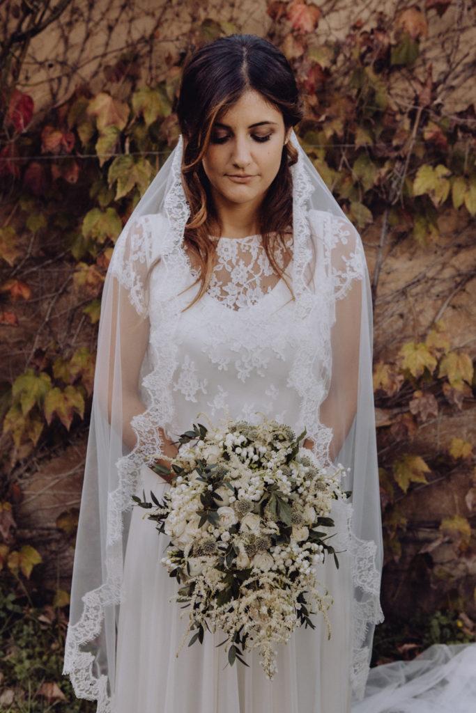 abito sposa elegante boho chic, couture hayez milano, abito da sposa con velo in pizzo
