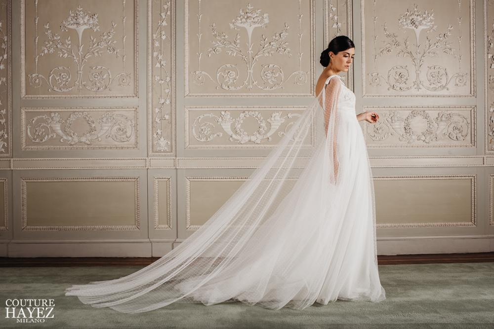 abito sposa in tulle e pizzo, abito sposa con mantella,abiti s posa con spalline, abiti sposa pois