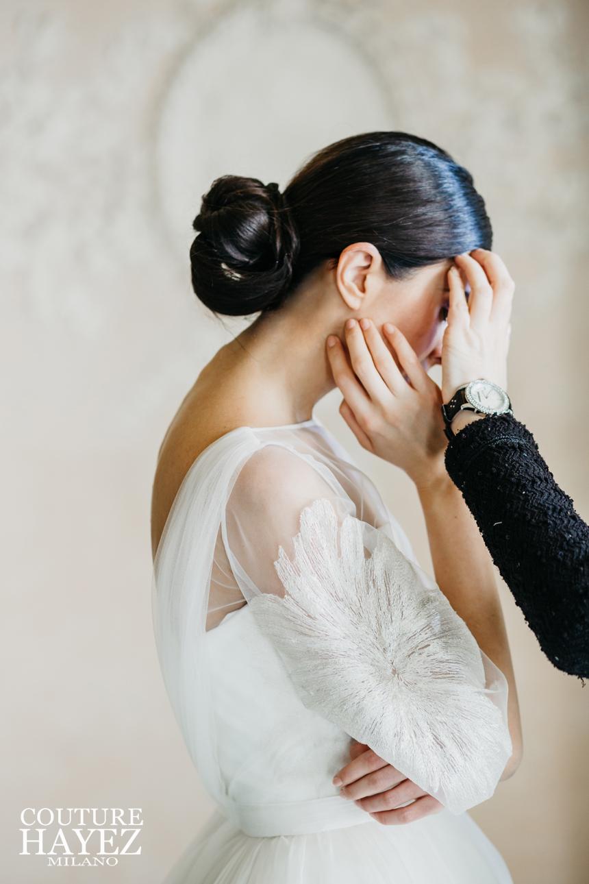 acconciatura sposa, abito sposa con maniche organza, acconciature sposa 2020