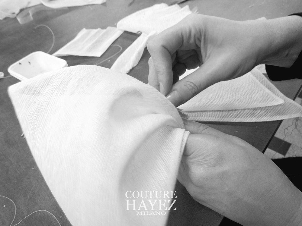 un fiocco per l'abito da sposa, sartoria sposa, made in italy sposa , sposa 2020