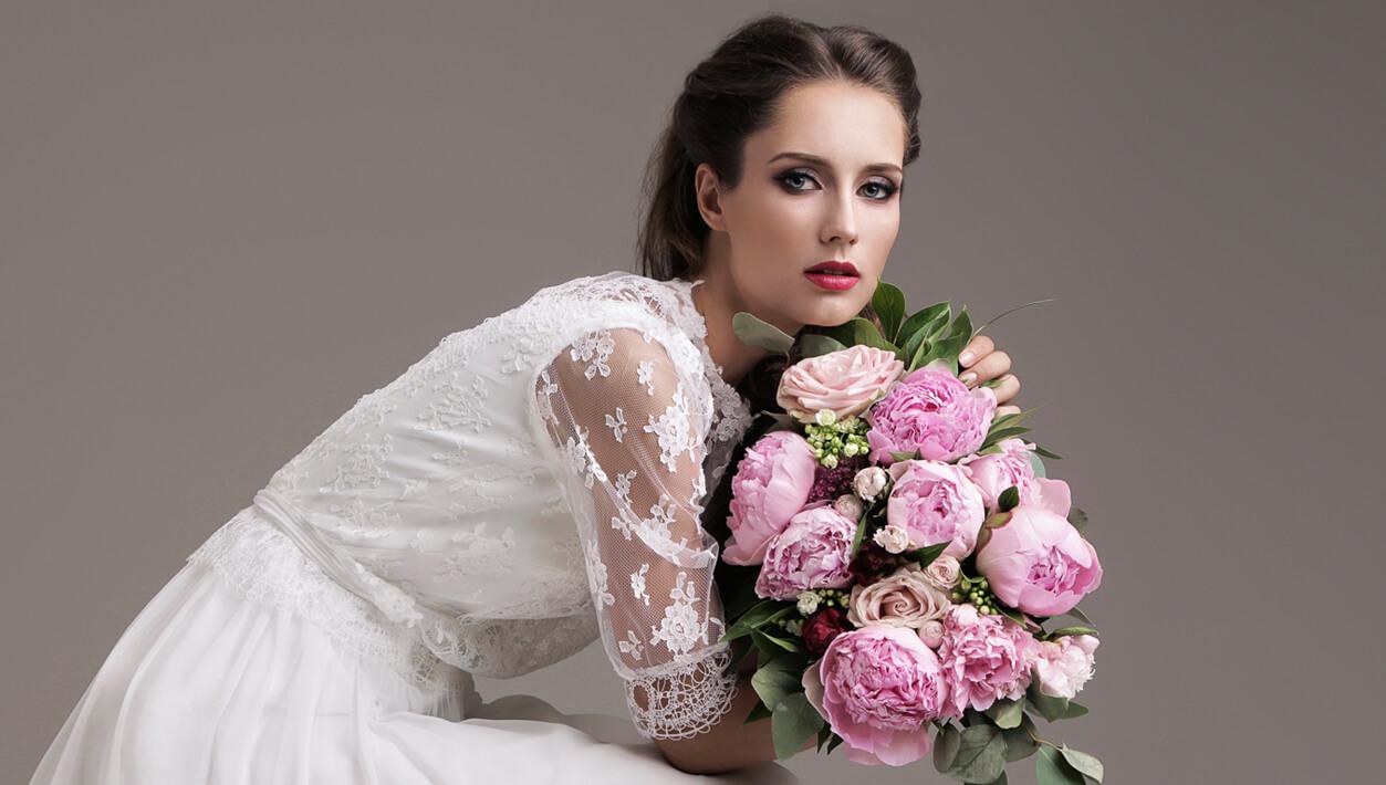 abiti da sposa con maniche in pizzo, abiti sposa milano, abiti sposa on line