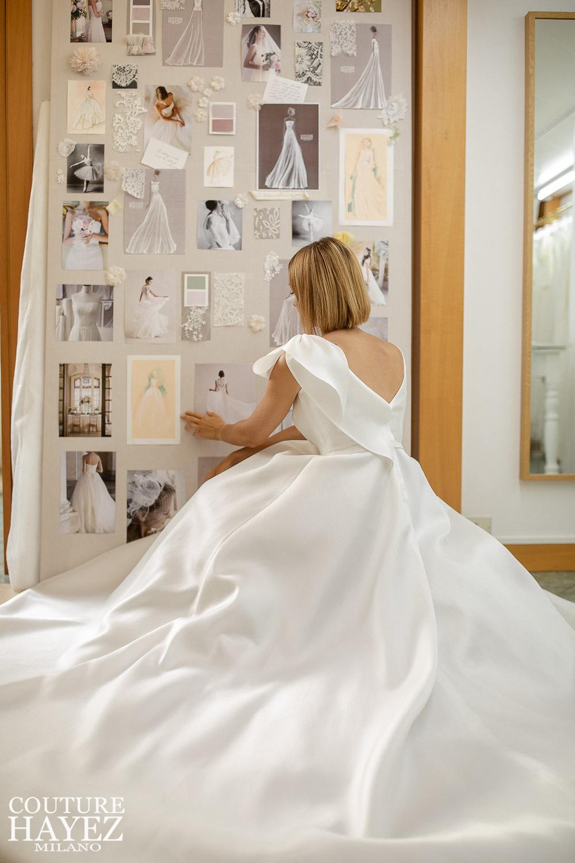 Abito da sposa minimal con scollatura a V sulla schiena in mikado di seta e fiocco, Autentica: Anteprima Collezione Sposa 2021