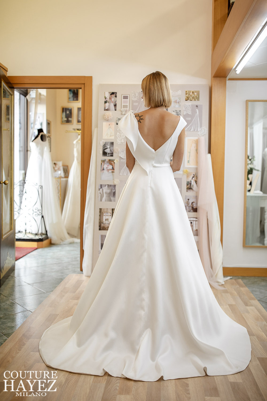 abito da sposa semplice in seta mikado