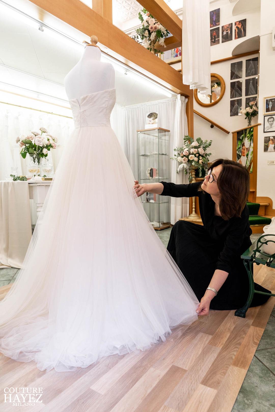 abito da sposa in atelier couture hayez, abito in tulle rosa cipria a milano , bridal designer milano