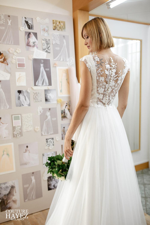 abiti da sposa schiena scoperta pizzo, abito da sposa gonna tulle, abito da sposa alta moda
