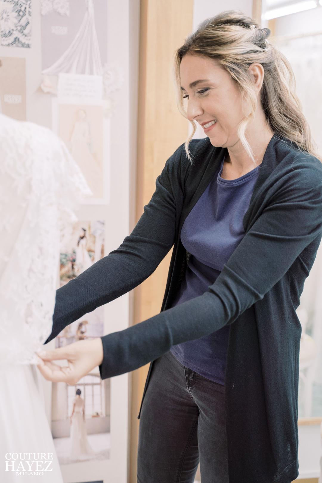 una sposa couture hayez vede il suo abito da sposa