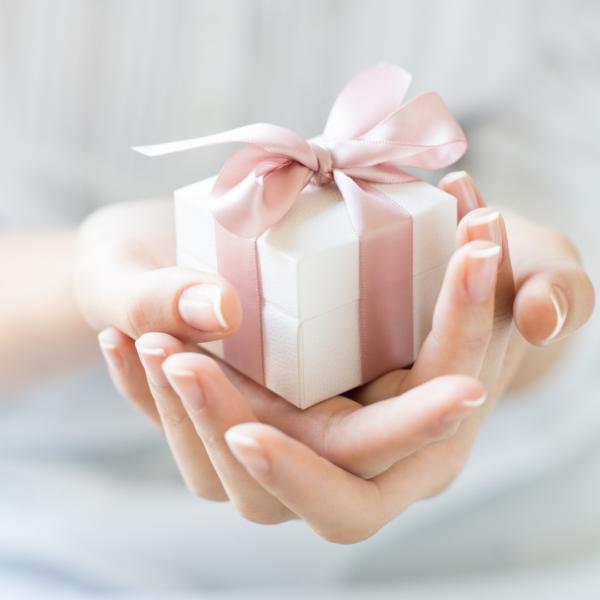 gift box, gift card, armocromia sposa, idee regalo sposa, addio al nubilato